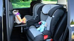 siege enfants publie une photo des sièges auto de ses enfants après un