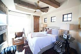 Rustic Chic Bedroom - 20 modern bedroom designs with exposed wood beams rilane