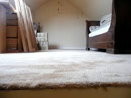 moquette epaisse chambre une grande chambre sous les combles