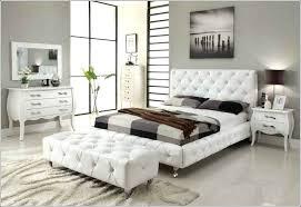 chambre a coucher blanc chambre a coucher blanc tete de lit en cuir beige sol en chambre a