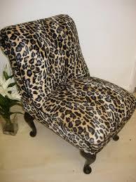Grey Bedroom Chair by Best 25 Leopard Print Bedroom Ideas On Pinterest Cheetah Room