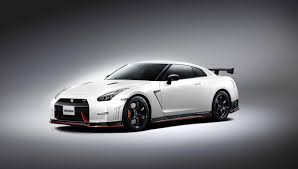 nissan gtr horsepower 2015 2015 nissan gt r nismo larger turbos and 595 horsepower