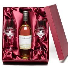 best wine gifts how to go about choosing wine gift boxes lupo restaurat