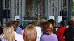madonna delle ghiaie di bonate preghiere e discussioni la madonna delle ghiaie continua a