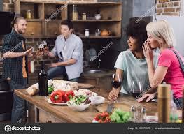 sexe dans la cuisine filles multiethniques commérages sur amis sexe masculin dans cuisine