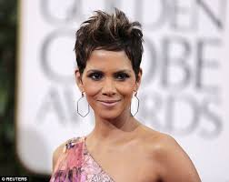 short hairstyles for 48 year old halle berry shows off her new look with full head of hair