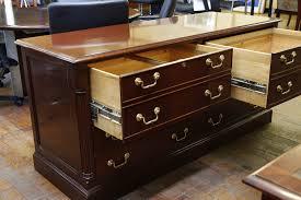 councill iii mahogany executive desk u0026 credenza suite