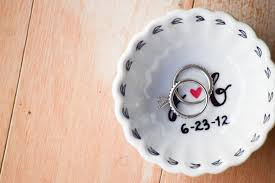 engagement ring dish the bridal boutique engagement ring holder by bowhead design