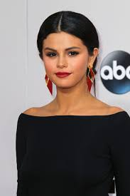 the beauty evolution of selena gomez her best hair and makeup