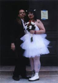 disgusting wedding dresses here comes the awkward 14 wedding pictures team jimmy joe