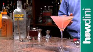 martini cosmopolitan how to make a cosmopolitan cosmopolitan drink recipe youtube