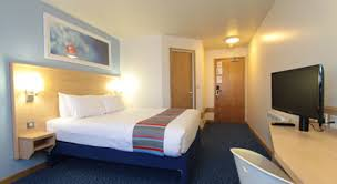 Double Room Picture Of Travelodge London Central Aldgate East - Family rooms central london
