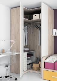armoire angle chambre armoire d angle contemporaine en bois à porte battante touch