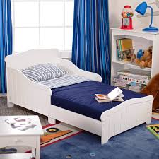 minimalist blue and white nuance of the little boy room decor that