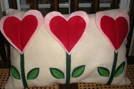 easy felt valentine u0027s pillow tutorial 3inunder3