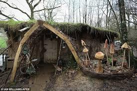The mud hut North Devon couple allergic to modern life