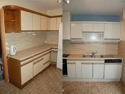 comment repeindre des meubles de cuisine peindre meuble de cuisine attrayant rajeunir un meuble en bois 4
