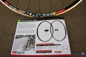just in stan u0027s notubes ztr alpha 400 tubeless wheels road bike
