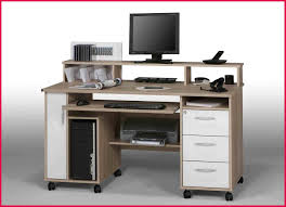 bureau pour ordinateur but meuble informatique but inspirant graphie de bureau