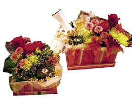 honey moon gifts hallmark flower shoppe honeymoon gifts with flowers panama city