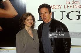 crazy sexy cancer stock fotos und bilder getty images warren beatty and annette bening stock photos and pictures getty