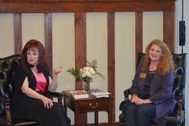 naomi judd speaks from the heart at sold out home free fundraiser