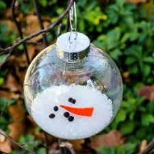 this melted snowman ornament was easy to make using a clear
