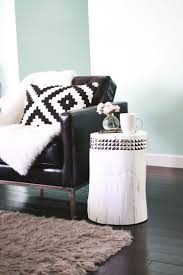 How To Decorate A Side Table by Best 20 Tree Stump Side Table Ideas On Pinterest Tree Stump