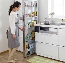 gain de place dans la cuisine astuces meubles et gadgets au top