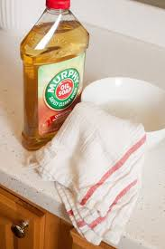 Cleaning Grease Off Kitchen Cabinets How To Clean Wood Kitchen Cabinets And The Best Cleaner For The
