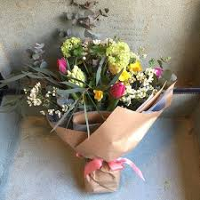 flower subscription flower bouquets delivered in reading berkshire green parlour