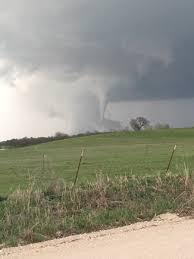 australia braces for debbie localized tornado outbreak possible