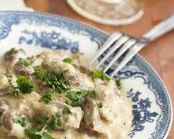 cuisiner du veau en morceau recette sauté de veau à la crème et persil