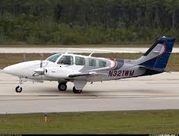 beech b55 baron 95 b55 aircraft picture beechcraft baron