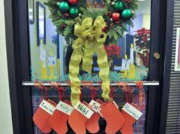 office 33 1024x0 christmas decoration ideas for office doors