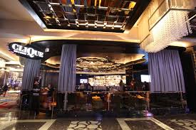 Chandelier Las Vegas Cosmopolitan Cosmopolitan Las Vegas Debuts Clique Bar