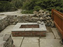 like the brick color garden design traditional outdoor round patio