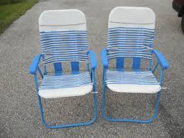 vtg plastic cushion tube webbed folding patio lawn chair set of 2