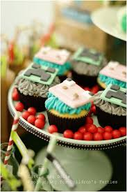 minecraft cupcake ideas a boy s class minecraft birthday party spaceships and
