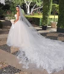 Fairytale Wedding Dresses Kim Kardashian And Kris Humphries Wedding Photos Inside The