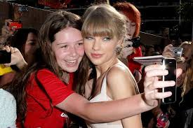 gifts for taylor swift fans taylor swift s best gifts to her fans from the grapevine