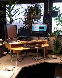 Diy Standing Desk by Best 25 Stand Up Workstation Ideas On Pinterest Standing Desk