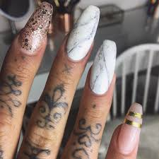 marble nail designs for an elegant and strong look