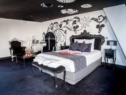 hotel chambre avec miroir au plafond le clos des vignes nuit romantique avec suite nuptiale