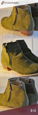 s moon boots size 11 nwot jeffery cbell lita paint ankle boots ankle and conditioning