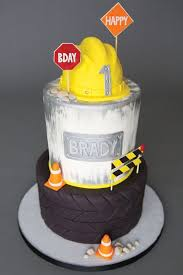 construction birthday cakes best 25 construction birthday cakes ideas on