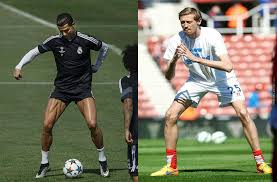 Peter Crouch Meme - cristiano ronaldo doesn t skip leg day and peter crouch by