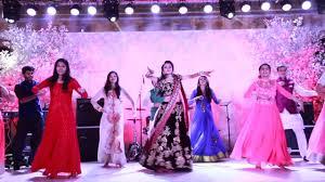 bride u0026 her friends london thumakda sangeet dance wedding