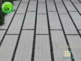 18 Inch Patio Pavers by Permeable Driveway Materials Permeable Pavers 02 300x144