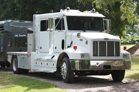 used peterbilt trucks 1999 peterbilt 330 4 door